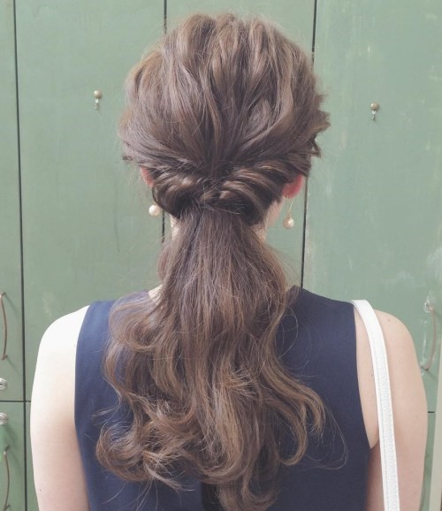 4 Creative Hairstyles And Tutorials For Curly Ponytail
