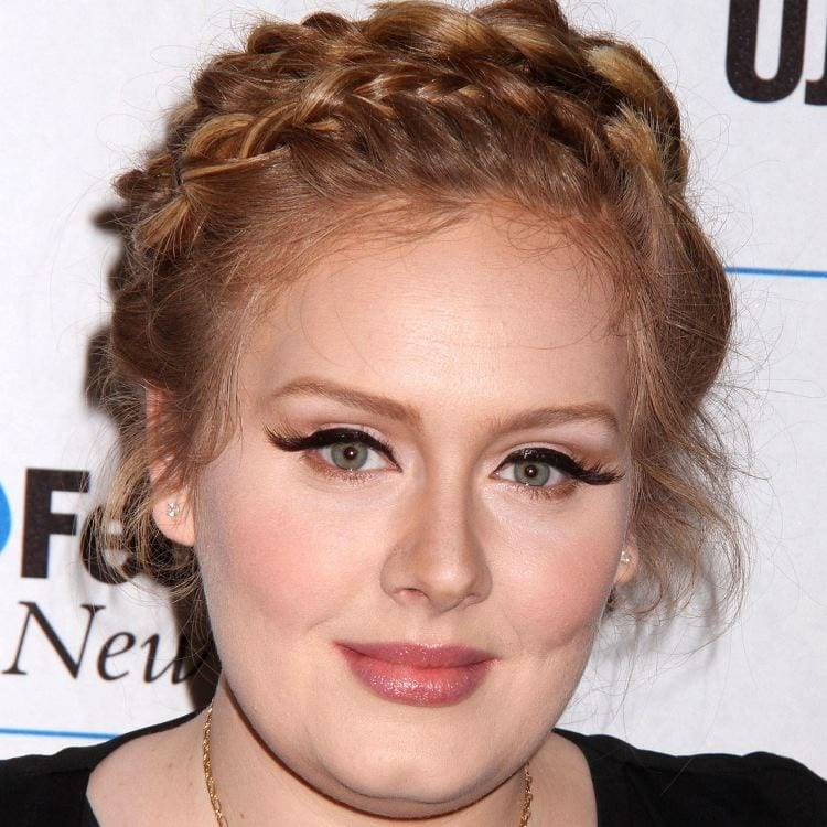 5 Hairstyles Which Make Adele Look Radiant In Formal Events04