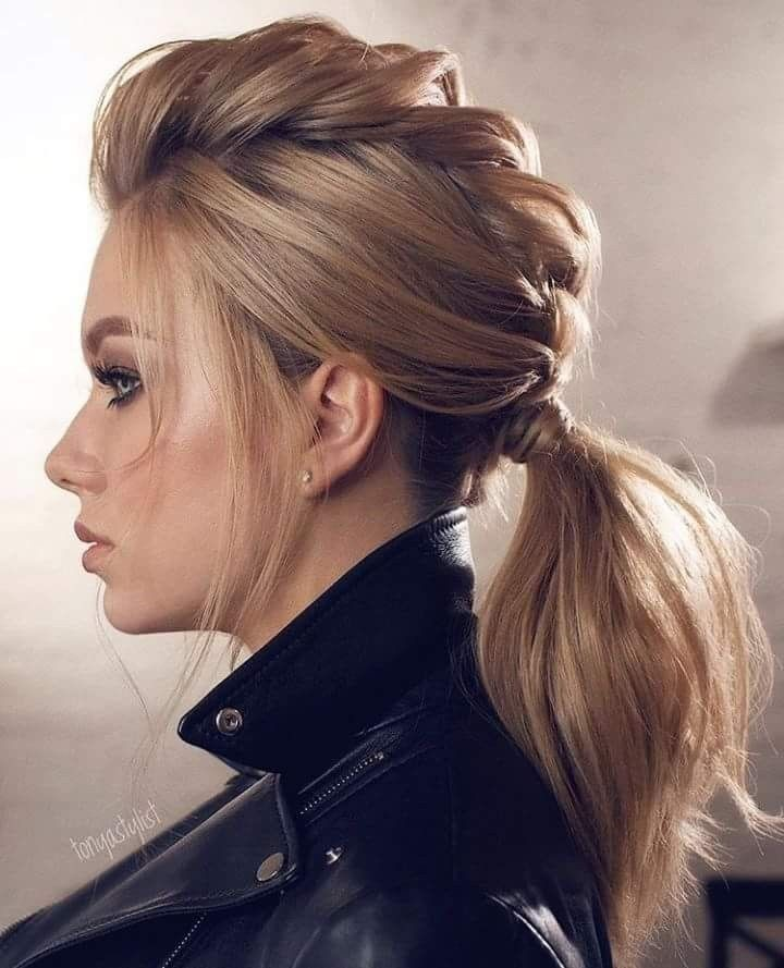 4 Creative Hairstyles And Tutorials For Curly Ponytail01