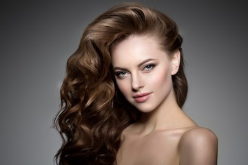 Make Your Weekend Special With Glamorous Hairstyles01